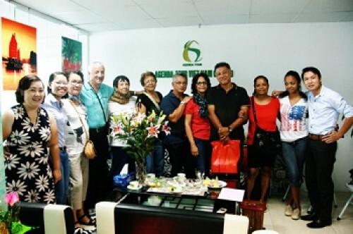 Groupe de madame Claudine et Danny CHAN OU TEUNG (9 personnes)