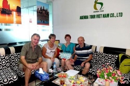 Programme definitif du voyage au Nord Vietnam du groupe de Mesdames et messieurs Sophie et JC Marcombes avec Brigitte et Didier