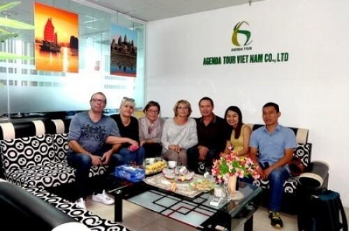 Programme definitif du voyage du Nord au sud Vietnam du groupe de Monsieur Jean MENGOZZI (5 personnes)