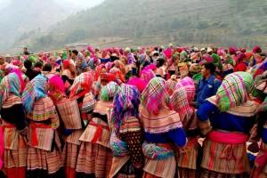 Voyage Vietnam Nord - Couleurs du Marché de l'Amour Khau Vai ( une fois par an)