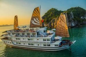 Croisière en baie Halong: Jonque Bhaya 2 jours/ 1 nuit