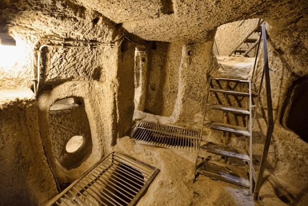 10-incontournables-a-visiter-au-vietnam-tunnel-cu-chi