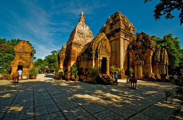 ponagar-temple