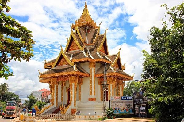 temple-wat-si-muang