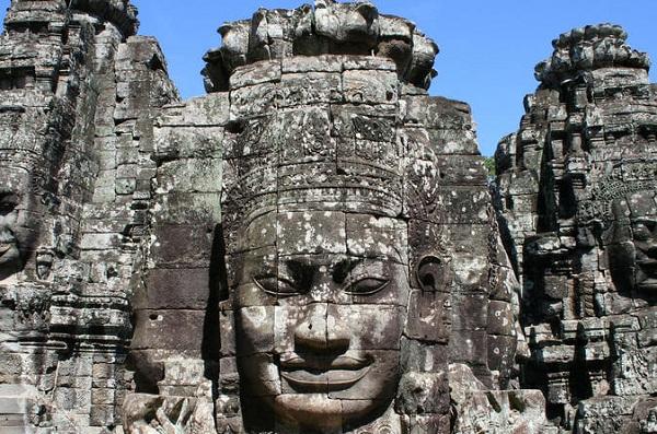 voyage-au-cambodge-motifs-sur-les-murs